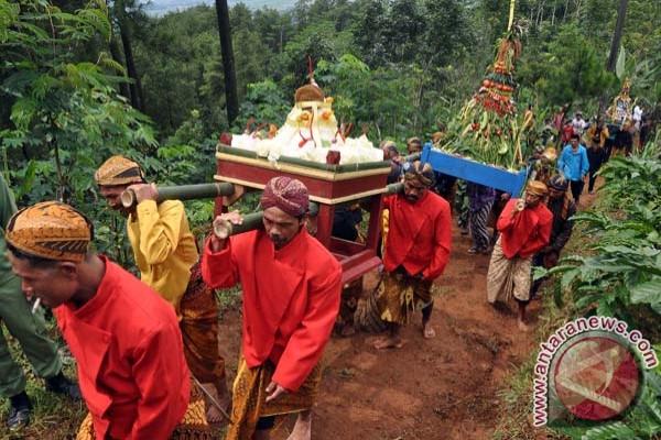 Grebeg Sura di Gunung Beser, Jombor, Jumo, Temanggung